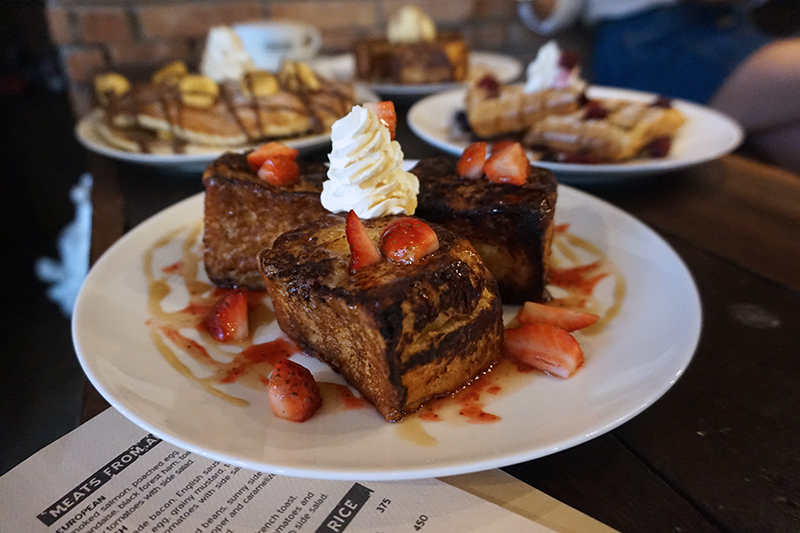 single-origin-rockwell-french-toast-strawberries