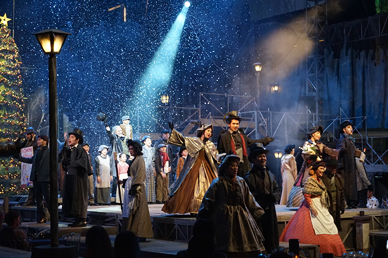 globe-live-and-9-works-theatricals-a-christmas-carol-is-an-explosion-of-good-vibes